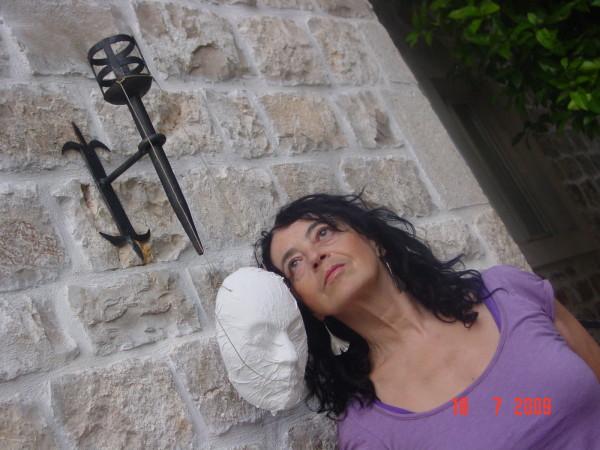 Kruna Tarle, likovna i dramska umjetnica i pedagoginja