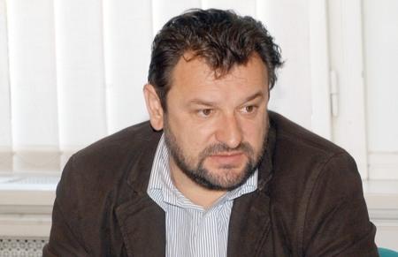 Jasmin Novljaković, redatelj, profesor glume na Umjetničkoj akademiji u Osijeku