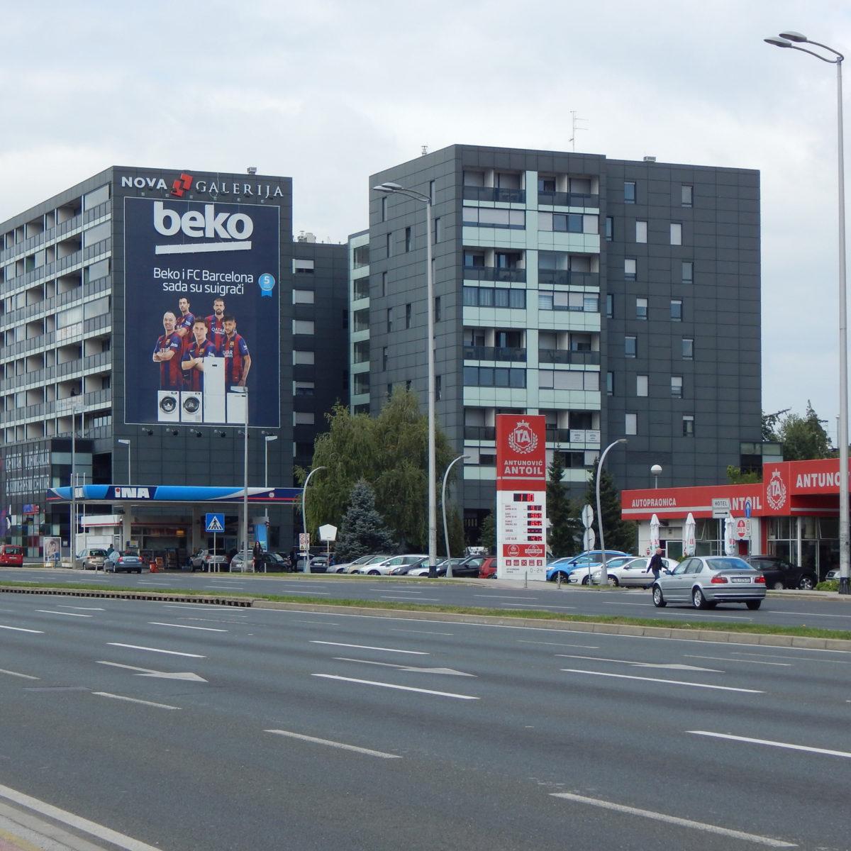 Arhitektura gradskih četvrti/Stenjevec-od daleke periferije do (gotovo) pravoga grada