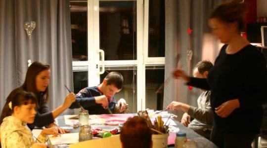 Veseli atelje-izložba polaznika radionica za djecu sa cerebralnom paralizom